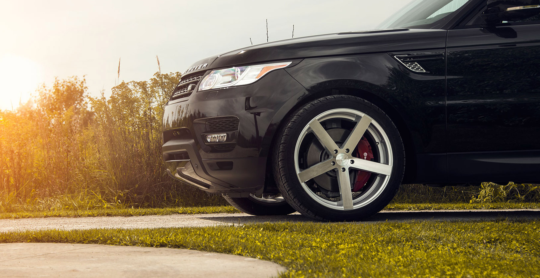 Black Land Rover Range Rover x Rohana RC22 Wheels (Finished in Machine Silver)