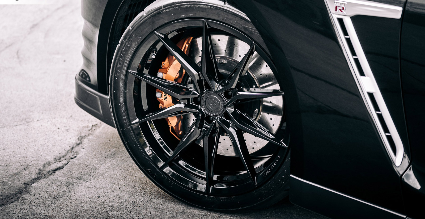Black Nissan GTR x Rohana RFX13 Wheels (Finished in Gloss Black)