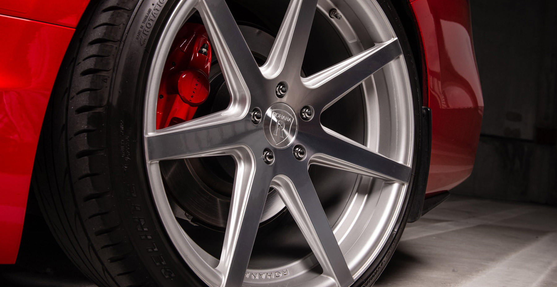 Red Infiniti Q50 x Rohana RC7 Wheels (Finished in Machined Silver)