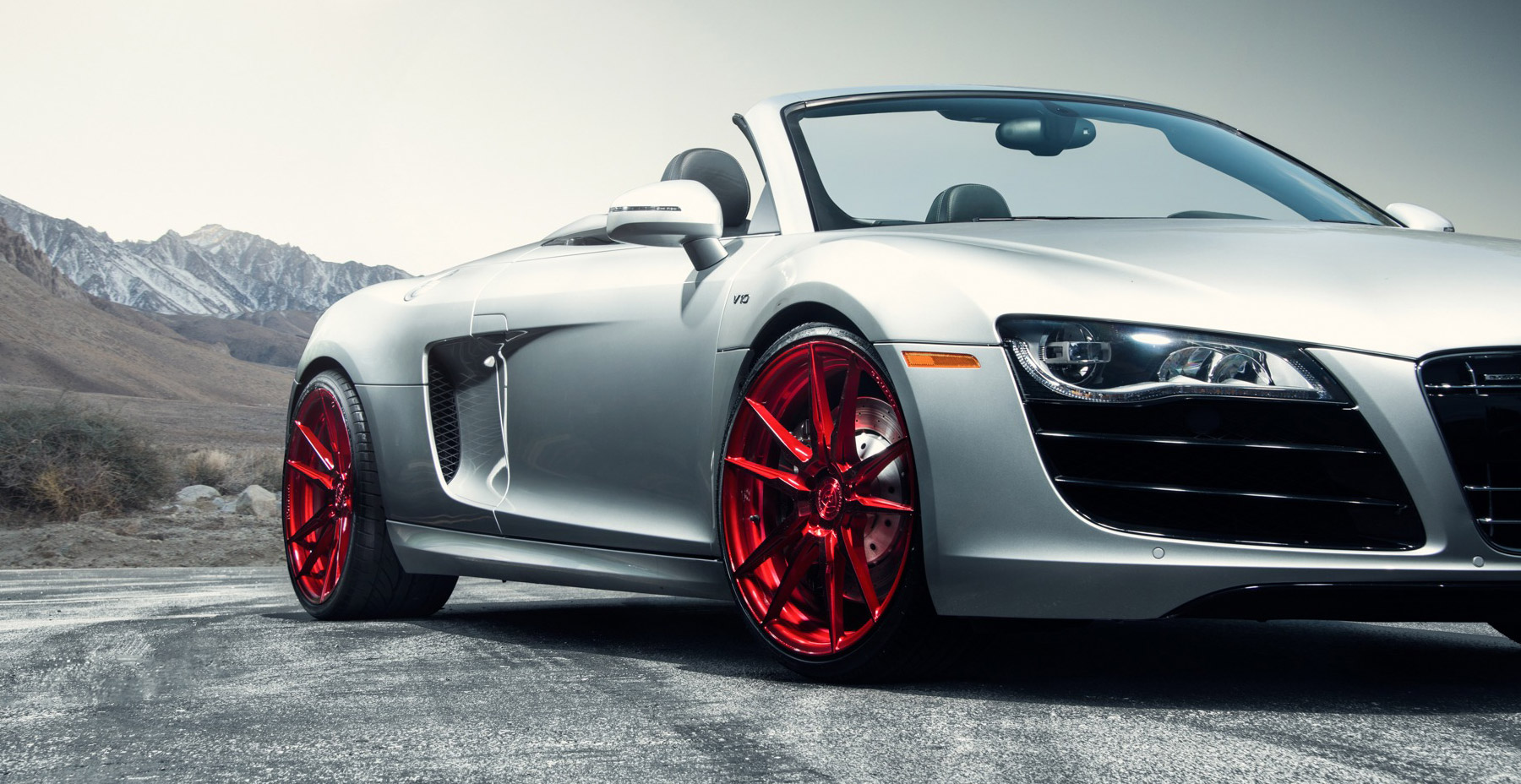 Silver Audi R8 x Rohana RF2 Wheels (Finished in Gloss Red)