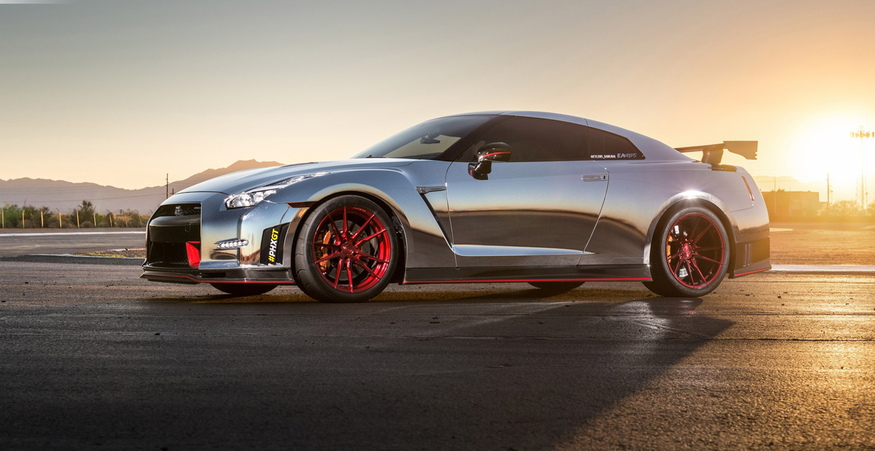 Silver Nissan GTR x Rohana RF2 Wheels (Finished in Gloss Red)