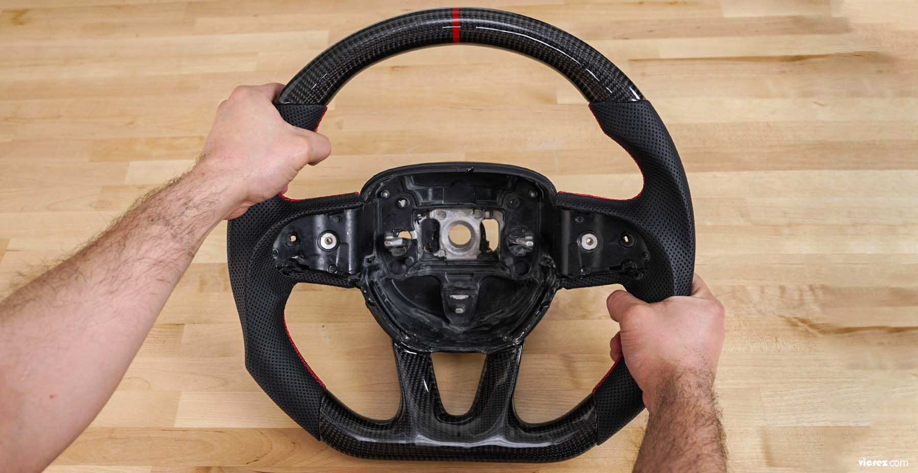 Vicrez Carbon Fiber Steering Wheel +LED Dash Display vz101781 | Dodge Challenger 2015-2019